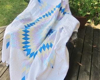 LONE STAR vintage quilt 1970s prairie points, hand stitched, vintage patchwork, star quilt, handmade bedcover, farmhouse decor