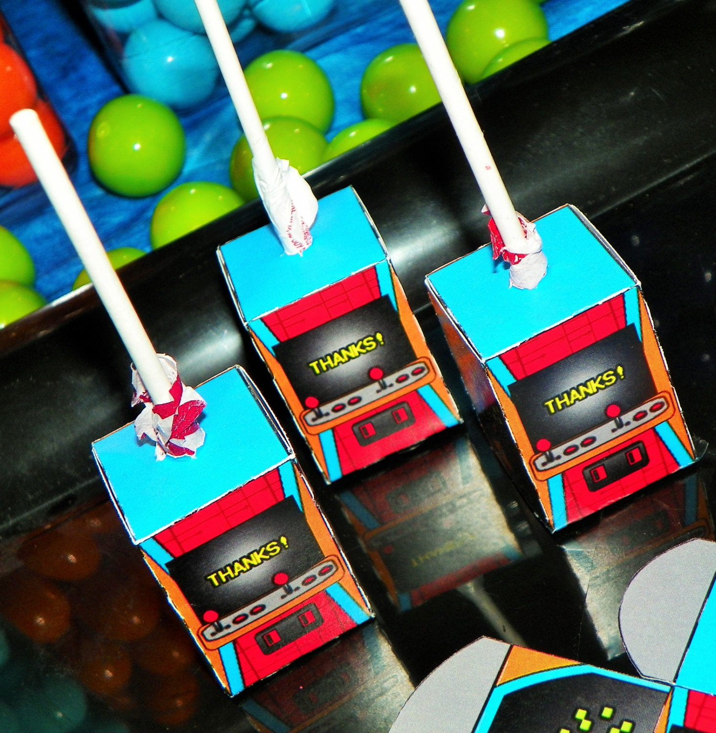 video game birthday party lollipop boxes arcade party favors. Black Bedroom Furniture Sets. Home Design Ideas
