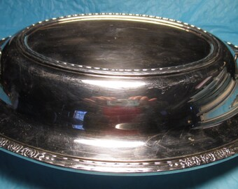 INTERNATIONAL # 6012 Silverplated Covered Casserole Dish Serving ROSES Design elegant cottage chic dining condiment silver plate
