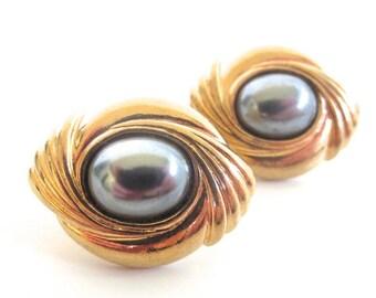 Vintage 80's Avon // Charcoal Pearl Swirl Clip on Earrings