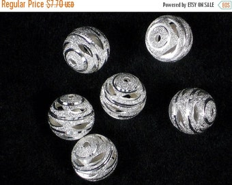SALE 6 Stardust Sparkly Hollow Beads Silver 16mm (P1138)