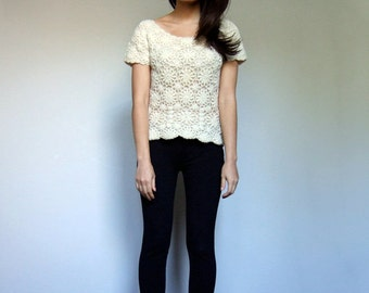 Vintage Crochet Top Floral Knit Wool Winter Shirt Scoop Neck Tshirt 70s Vintage Tee - Small S