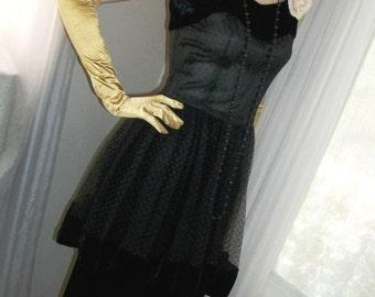 1940s Goth Film Noir Black Velvet Net Peplum Evening Gown Size S/M Gorgeous
