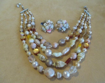 Vintage costume jewelry  /  4 strain beaded necklace and clip on earrings