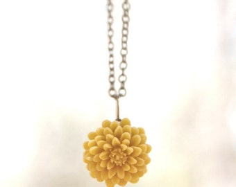 MOTHERS DAY SALE Mustard Yellow Chrysanthemum Flower Necklace // Bridesmaid Gifts // Bridesmaid Necklace