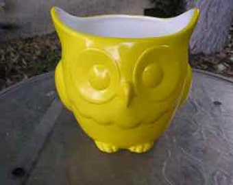 Stoutly Wise Owl Candy Dish/Vase/Planter Sunbright Yellow