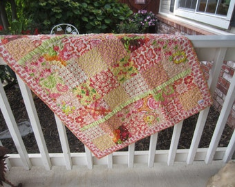 A VERY DIFFERENT Baby QUILT Featuring Heather Bailey Fabrics