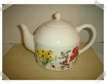 White CeramicTeapot/ Marjolein Bastin / Floral*/Vintage*