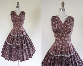 50s Dress - Vintage 1950s Dress - Novelty Print Chocolate Leaf Cotton Shelf Bust Sundress S - All Dreaming Aside Dress