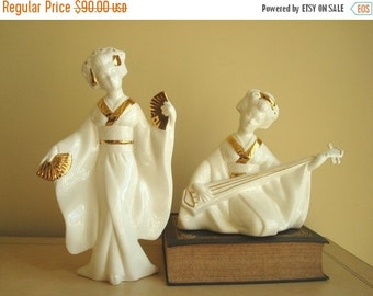 Oriental geisha figurines, white & gold ceramic, Hollywood Regency, contemporary asian home decor, woman with fan, woman with lute
