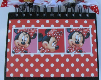 Minnie Autography Book