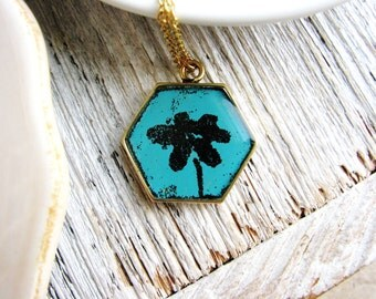 Metal Art Necklace, Minimalist Art Jewelry, Blue Flower Necklace, Nature Lovers Jewelry, Hexagon Necklace, Blue Geometric Boho Necklace