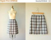 25% OFF SALE... 1960s skirt / a-line 60s skirt / 1960s plaid wool skirt / 60s wool skirt - size medium