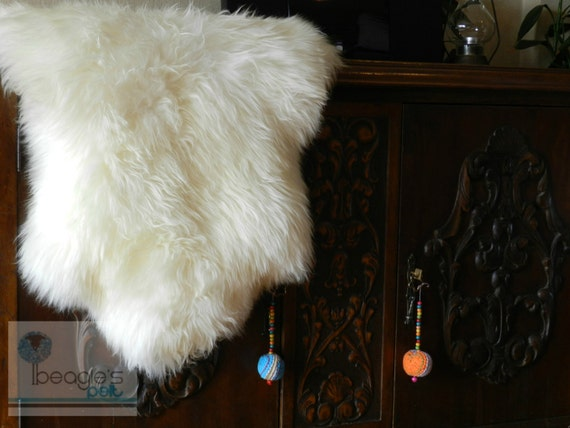 Unique Rare Genuine Stylish Shaggy Creamy White Sheepskin Rug