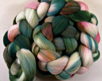 Bewitching 1 merino wool top for spinning and felting (4.1 ounces)
