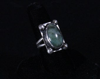 Sterling silver and Emerald gemstone ring SouthWest Inspired
