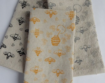 Cloth Napkins, Hand Printed Honey Bees, Choose Your Color, Set of 4 Natural Linen / Cotton Blend
