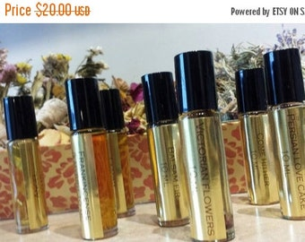 Vintage Vanilla Botanical Perfume Oil. Aged vanilla resin, absolute, CO2  and infusion. 10 ML