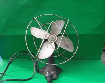 Vintage  Wikway Fan Tilts Up and Down / WORKS