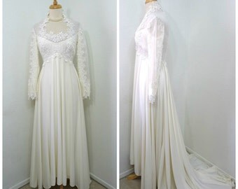 1960s Wedding dress William Cahill Lace Embroidered Chiffon Floral Appliques Small Train Wedding dress