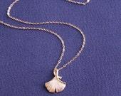 Ginko necklace, ginko leaf necklace, gold leaf necklace, Dainty Necklace, Delicated necklace,Nature nacklace, everyday necklace