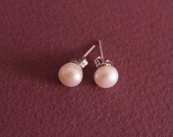 Freshwater Pearl Earrings, wedding jewelry, bidesmaid earrings gift, naturalpearl stud earrings, pearls post earrings
