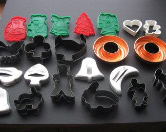Assortment of 20 Cookie Cutters and 2 Small Ring Molds