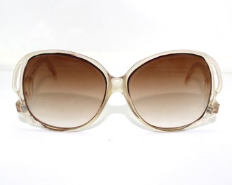 1960s 70s  Sunglasses oversize lens sunglass frames/mod  Hipster style