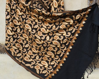 "Stunning Embroidered Pashmina. Luxurious pashmina wool shawl/stole. 74 x 28"". Kashmir. 188 x 71 cm"