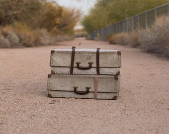 1940s or 1950s Cardboard Suitcase - Photography Prop - Home Decor - Storage - Vintage
