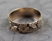 Victorian 9K Rose Gold Embossed Floral Ring Band Size 4.75