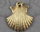 Vintage 1990s 14k Gold Scallop Shell Charm or Small Pendant
