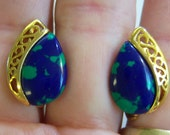 vintage blue with green and gold tone tear drop screw on or screw back combo clip on earrings 615C2