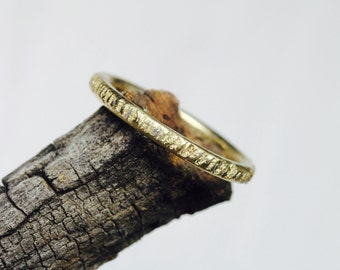 Rustic Women's Textured Bark Wedding Ring 14K Yellow Gold Primitive Southwest Woodland Tree Trunk Branch Band Simple Narrow Boho - Mesquite