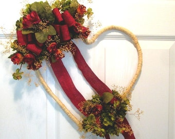 Heart Wreath Red Rose / Heart Wreath Dried Flowers /  Red Rose Decor /  Red Rose Wall Hanging Raffia Heart Wreath Red Roses