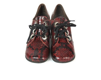 1960s Mod Lace Up Heels Snakeskin Leather Heels Red Leather Loafers Chunky Heeled Pumps Preppy Shoes Twiggy Swinging London Size 5.5