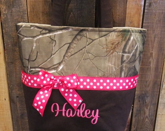 Personalized monogram girl camo diaper bag/baby shower gift