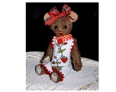 "collectable artist teddy bear,9""Mary Jane, jointed, glass eyes,"