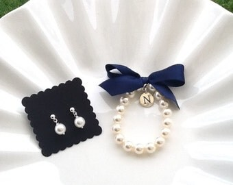 Bridesmaid charm bracelet and earring set, personalized pearl bracelet with earrings,  custom made any color ribbon