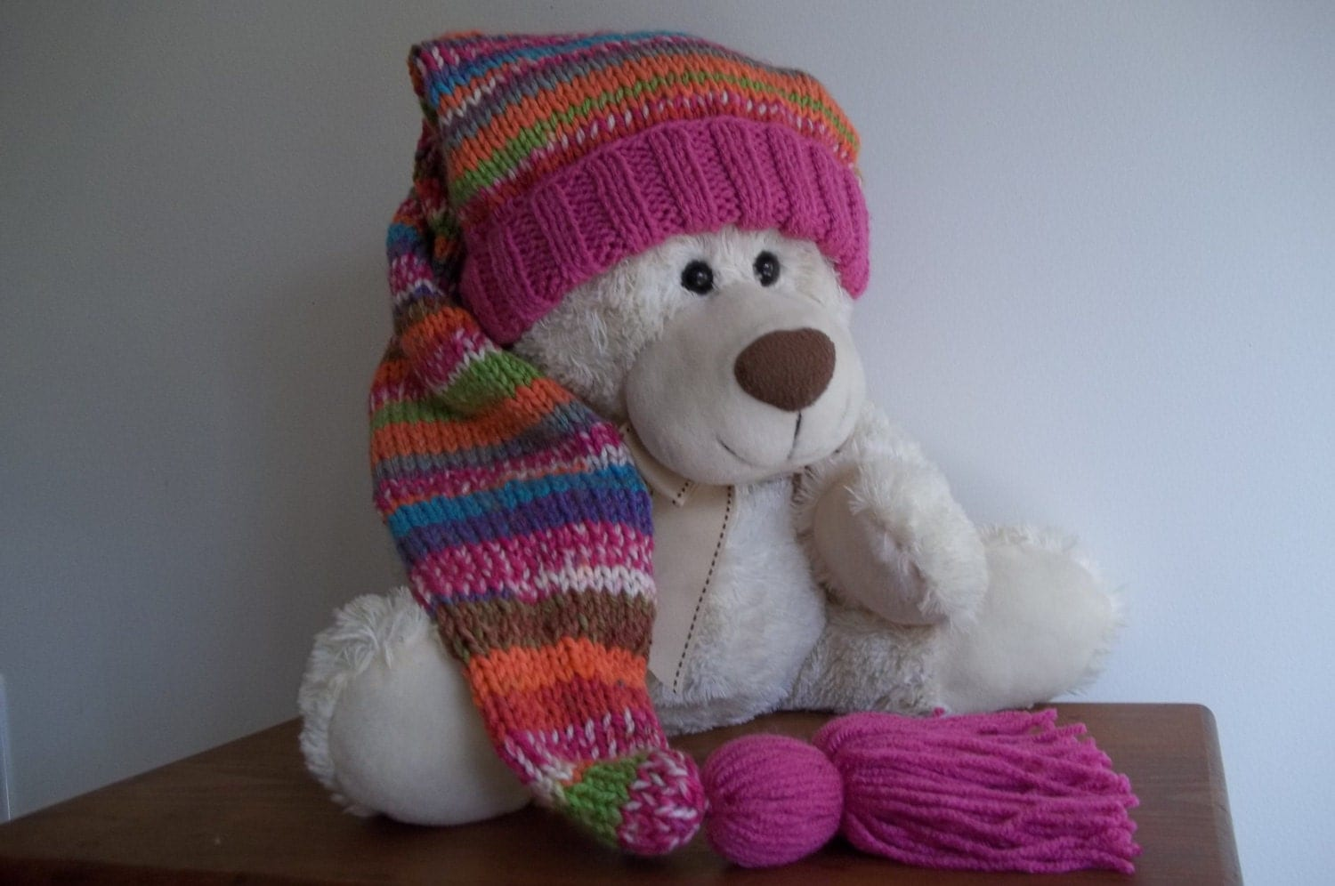 Jun 20, · This One Skein Stocking Hat is one of the most adorable crocheted hat patterns ever. Your kids will look absolutely precious whenever they wear it. This crocheted hat would make a great holiday gift for the special little elves in your life/5(4).