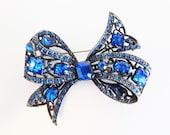 Pretty Vintage Large Deep Blue Glass Rhinestone Bow Brooch
