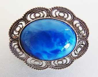 Pretty Vintage Marbled Glass Cabochon Silver Filigree Brooch