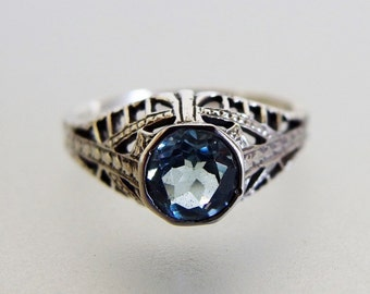 Pretty Vintage Deco Style Aquamarine Sterling Filigree Ring
