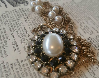 Vintage Pearl Rhinestone Assemblage Necklace F
