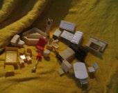 1940-1950s  vINTAGE 34 piece    lot doll house furniture   plus 11 vintage dolls MARX renwal 40s furniture
