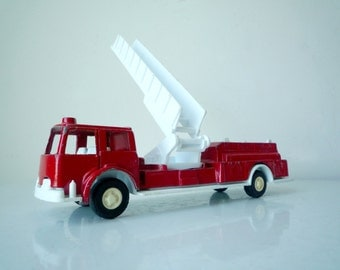 1970s Tootsie Toy Red Fire Engine with Ladder