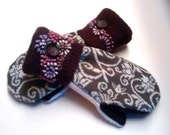 FREE U.S. SHIPPING Floral and Swirls Recycled Wool Mittens lined with cozy fleece.  Ladies Medium.