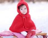 Christmas baby otufit. Knitted baby poncho. Handknit baby cape. Pure wool. 0 - 18 months. Baby Shower Gift. Winter photo prop.
