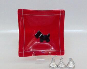 Scottie Dog on Red // Fused Art GLass Dish // Square // Candy // Dog // Pet // Trinket // Rings // Display // Keys // Change // Friend //Fun