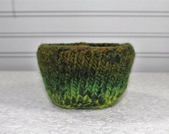Small Wool Felted Bowl in Greens, Knit Felt Storage Bowl, Felt Ring Bowl, Small Boiled Wool Bowl, Green Knit Wool Felt Bowl,  Home Decor